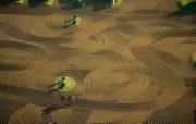 上帝之眼 扬恩 亚瑟 Yann Arthus Bertrand 空中摄影奇景壁纸法国篇 鸟瞰法国 拉菲特之家赛马场训练地图片壁纸 上帝之眼空中摄影奇景法国篇 风景壁纸