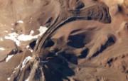 探索地球家园 令人惊叹的NASA地球日壁纸集 世界最高的活火山 尤耶亚科火山 Llullaillaco Volcano 壁纸下载 探索地球家园令人惊叹的NASA地球日壁纸集 风景壁纸