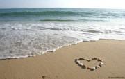 沙滩上的爱心 贝壳围成的心形图片壁纸 The Best of Nature第五集 风景壁纸