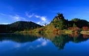 Windows 7世界名胜高清壁纸 亚洲篇 日本 弓池里的树木与倒影 Reflection of Autumn Trees in Yumi ike Pond Gunma Prefecture Japan Windows 7世界名胜高清壁纸亚洲篇 风景壁纸