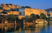 Windows 7世界名胜高清壁纸 亚洲篇 印度 皮丘拉湖 中的湖中宫殿 Lake Pichola and the City Palace India Windows 7世界名胜高清壁纸亚洲篇 风景壁纸