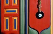Windows 7世界名胜高清壁纸 亚洲篇 土耳其 门上的饰品 Nazarlik hanging on a door Istanbul Turkey Windows 7世界名胜高清壁纸亚洲篇 风景壁纸