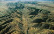 上帝之眼 Yann Arthus Bertrand 扬恩 亚瑟空中摄影奇景壁纸北美篇 鸟瞰美国 圣安地列斯断层图片壁纸 扬恩・亚瑟空中摄影奇景 北美篇 风景壁纸