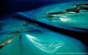 上帝之眼 Yann Arthus Bertrand 扬恩 亚瑟空中摄影奇景壁纸北美篇 鸟瞰巴哈马 埃克苏马群岛图片壁纸 扬恩・亚瑟空中摄影奇景 北美篇 风景壁纸