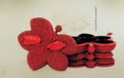 古色古香 北京故宫博物院珍品文物和历届主题展 乾隆款枫叶秋虫雕漆带座盒图片壁纸 北京故宫博物院珍品文物展 广告壁纸