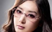 迷人电眼眼镜美女模特高清壁纸 壁纸3 迷人电眼眼镜美女模特 广告壁纸