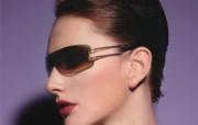 迷人电眼眼镜美女模特高清壁纸 壁纸4 迷人电眼眼镜美女模特 广告壁纸