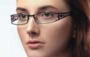 迷人电眼眼镜美女模特高清壁纸 壁纸7 迷人电眼眼镜美女模特 广告壁纸