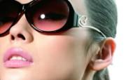 迷人电眼眼镜美女模特高清壁纸 壁纸11 迷人电眼眼镜美女模特 广告壁纸