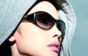迷人电眼眼镜美女模特高清壁纸 壁纸12 迷人电眼眼镜美女模特 广告壁纸