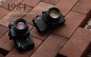 1984年的奥林巴斯古董相机 Olympus Cameras in 1984 Olympus 奥林巴斯70年经典相机壁纸上辑 广告壁纸