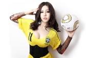足球宝贝美女 多分辨率 壁纸61440x900 足球宝贝美女(多分辨 精选壁纸