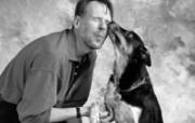 人与狗的友情壁纸 其他壁纸