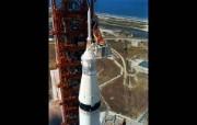 One Giant Leap for Mankind Saturn V Preparations 准备发射的土星5号火箭 阿波罗11号登月40周年纪念壁纸 人文壁纸