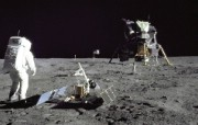 One Giant Leap for Mankind Aldrin Looks Back at Tranquility Base 月球宁静海基地 阿波罗11号登月40周年纪念壁纸 人文壁纸