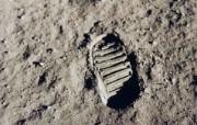 One Giant Leap for Mankind Apollo 11 bootprint 奥尔德林留下的月球脚印 阿波罗11号登月40周年纪念壁纸 人文壁纸
