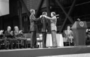 One Giant Leap for Mankind Armstrong Awarded Space Medal of Honor 阿姆斯特朗获太空荣誉勋章 阿波罗11号登月40周年纪念壁纸 人文壁纸