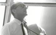 One Giant Leap for Mankind Dr George Mueller Follows the Progress of the Apollo 11 Mission 载人航天飞行首席助理乔治 米勒博士 阿波罗11号登月40周年纪念壁纸 人文壁纸