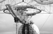 纯粹的光影美学 人文建筑黑白摄影壁纸 Arecibo Observatory Puerto Rico 波多黎各阿雷西沃天文台桌面壁纸 纯粹的光影美学人文建筑黑白摄影壁纸 人文壁纸