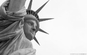 纯粹的光影美学 人文建筑黑白摄影壁纸 Liberty New York 纽约自由女神像桌面壁纸 纯粹的光影美学人文建筑黑白摄影壁纸 人文壁纸