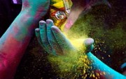 游历大千世界 国家地理杂志每日一图2010五六月摄影壁纸 印度 胡里节图片壁纸 国家地理杂志 2010 56月壁纸 人文壁纸