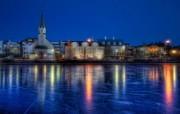 Iceland 冰岛风光壁纸 结冰的河面映着闪烁的霓虹 HDR 冰岛风光宽屏壁纸 人文壁纸