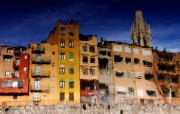 HDR 西班牙城市映像 水中房子的倒影 西班牙 Girona 色彩绚丽的民居 HDR 西班牙城市映像 人文壁纸