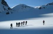 滑雪圣地 阿尔卑斯山度假壁纸 向雪山进军图片壁纸 滑雪圣地阿尔卑斯山度假壁纸 人文壁纸