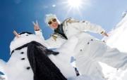 滑雪圣地 阿尔卑斯山度假壁纸 和雪人拍照图片壁纸 滑雪圣地阿尔卑斯山度假壁纸 人文壁纸