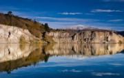 天堂之国 新西兰如画风光壁纸 1920 1200 新西兰名胜 圣巴森斯的蓝湖壁纸 Lake Blue in St Bathans 新西兰风光第二集 人文壁纸