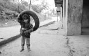 贫困战火童年 2 2 贫困战火童年 人物壁纸