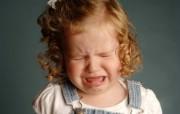 可爱婴儿摄影 哭泣的小女孩图片壁纸 爱与纯真可爱婴儿儿童摄影壁纸 摄影壁纸