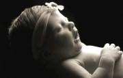 黑白婴儿摄影 熟睡的小婴儿图片壁纸 爱与纯真可爱婴儿儿童摄影壁纸 摄影壁纸