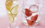 冰凉夏日酒香 酒水饮品高清摄影 夏天饮料 草莓柠檬苏打水图片 冰凉夏日酒香酒水饮品高清摄影 摄影壁纸