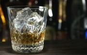 冰凉夏日酒香 酒水饮品高清摄影 威士忌酒图片 威士忌加冰块 冰凉夏日酒香酒水饮品高清摄影 摄影壁纸