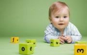 婴儿与玩具 国外儿童摄影壁纸 国外儿童摄影壁纸第二辑 摄影壁纸