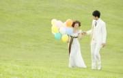 新娘新郎 户外婚纱摄影壁纸 花园里的白色婚礼婚纱摄影壁纸 摄影壁纸