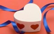 壁纸 情人节心形礼物盒子图片壁纸 情人节心形小物品摄影 摄影壁纸