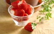 新鲜草莓 摄影壁纸