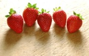图片壁纸 新鲜草莓 摄影壁纸